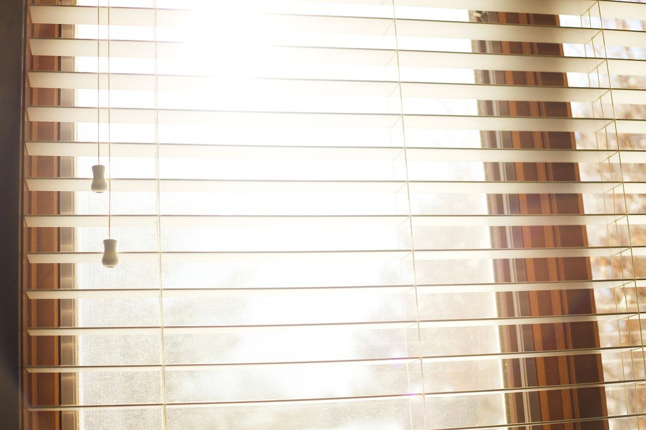 Faites nettoyer vos lamelles de stores, fenêtres et encadrements